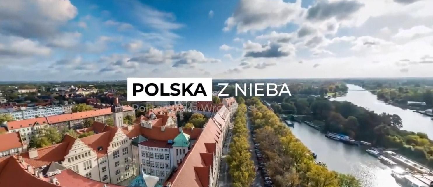 Podniebny spacer wirtualny jest realizowany za pomocą z drona w ramach Projektu Polska z Nieba