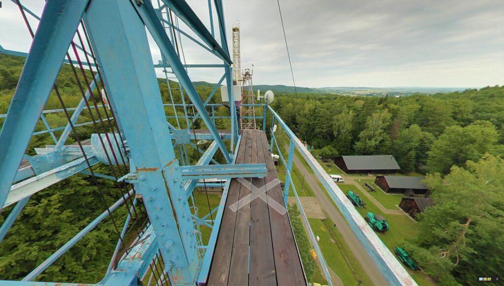 Spacer wirtualny Street View po Muzeum Przemysłu Naftowego w Bóbrce